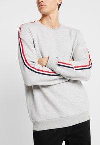 Pier One - Sweatshirt - mottled light grey - 4