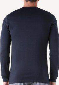 Intimissimi - INTERLOCK SUPIMA - Pyjama top - blue - 3