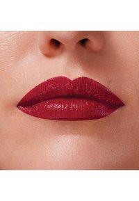 Maybelline New York - COLOR SENSATIONAL THE CREAMS - Lipstick - wine rush - 2