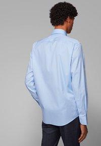 BOSS - GORDON - Formal shirt - light blue - 2