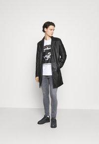 Antony Morato - Slim fit jeans - grey steel - 1
