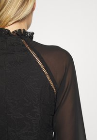 Trendyol - SIYAH - Koktejlové šaty/ šaty na párty - black - 6