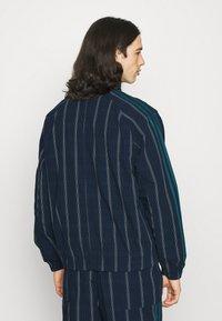adidas Originals - UNISEX - Summer jacket - collegiate navy - 2