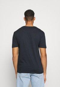 Newport Bay Sailing Club - CORE 3 PACK - Basic T-shirt - grey marl/light yellow/navy - 2