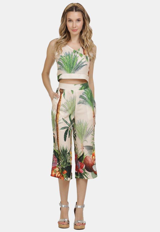 IZIA CULOTTE - Tygbyxor - tropical print