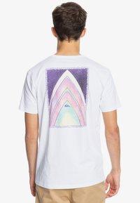 Quiksilver - Print T-shirt - white - 2
