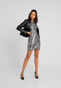 Nly by Nelly - LOVE THAT DRESS - Vestito elegante - silver - 2