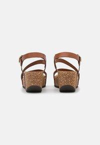 Grand Step Shoes - JILL - Platform sandals - whisky - 3