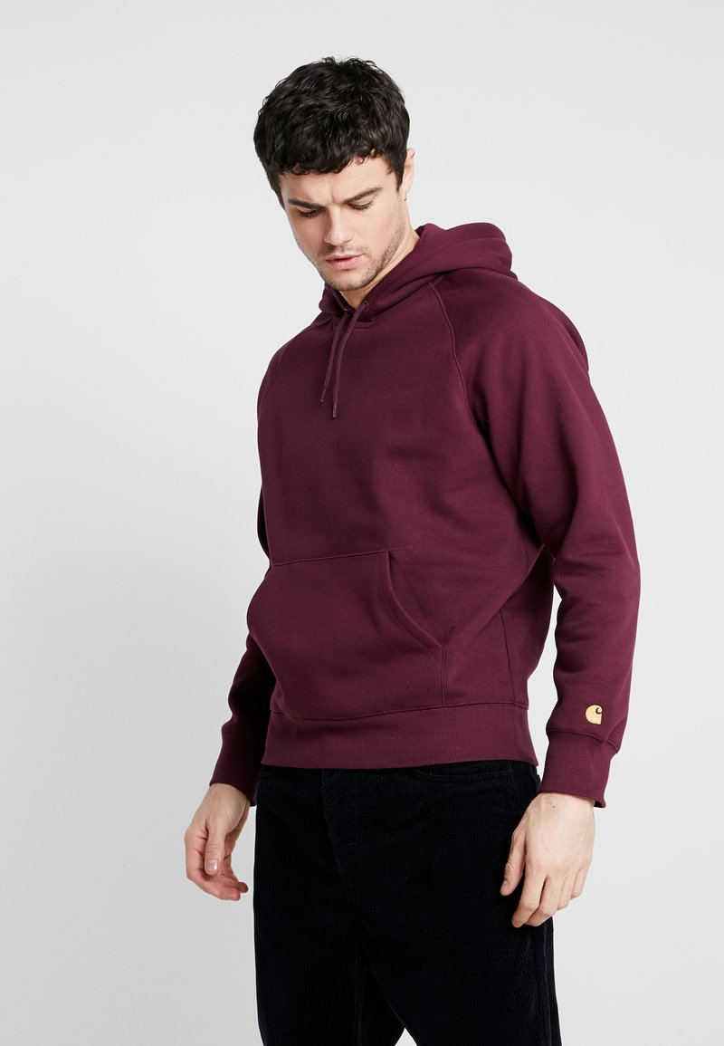 Carhartt WIP - HOODED CHASE  - Mikina s kapucí - shiraz/gold