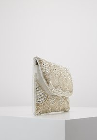 Glamorous - Clutches - silver - 3