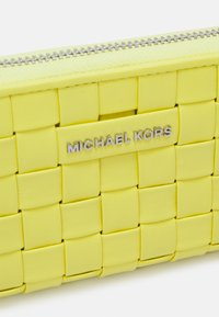 MICHAEL Michael Kors - JET SET CARD CASE - Wallet - limelight - 4
