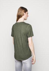 JOOP! Jeans - CLARK - T-paita - dark green - 2