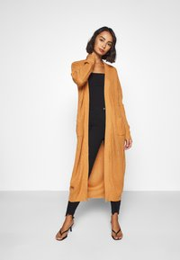 Missguided Petite - LONGLINE PATCH POCKET  - Kardigan - camel - 1