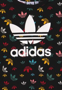 adidas Originals - T-shirt med print - black/multicolour/white - 3