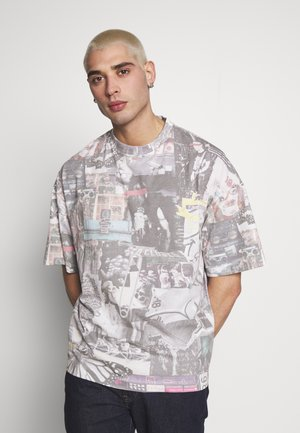 WASHED COLLAGE OVERSIZED - Print T-shirt - multicoloured