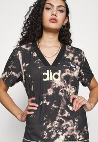 adidas Originals - DRESS - Žerzejové šaty - multicolor - 5