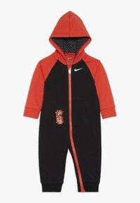 Nike Sportswear - KYRIE COVERALL - Dupačky na spaní - black - 0