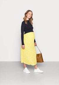 Glamorous Bloom - CARE SLIP SKIRT - Maksihame - yellow ditsy - 1