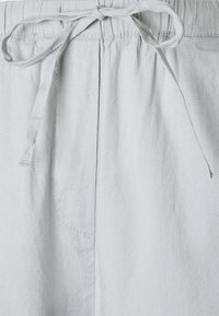 Marc O'Polo - PANTS CULOTTE STYLE WIDE LEG DETAILED WAISTBAND - Trousers - spring water - 2
