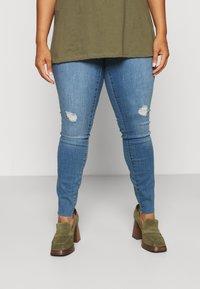 Vero Moda Curve - VMTANYA CUT - Jeans Skinny Fit - medium blue denim - 3