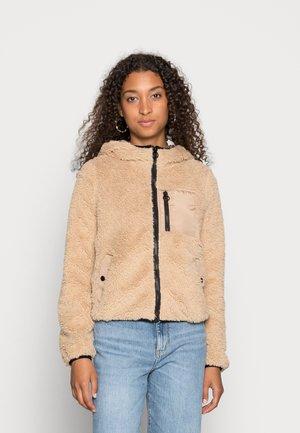VMCOZYSTELLA SHORT JACKET  - Winter jacket - safari