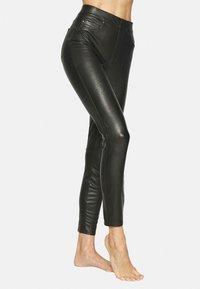 Spanx - LIKE PANT - Leggings - classic black - 1