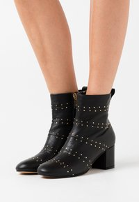 Shoe The Bear - BESS - Classic ankle boots - black - 0