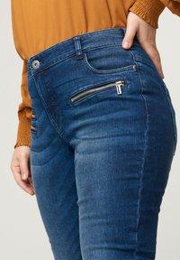 Zizzi - SANNA - Jeans Skinny Fit - blue - 2