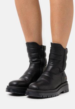 CPH1003  - Platform ankle boots - black
