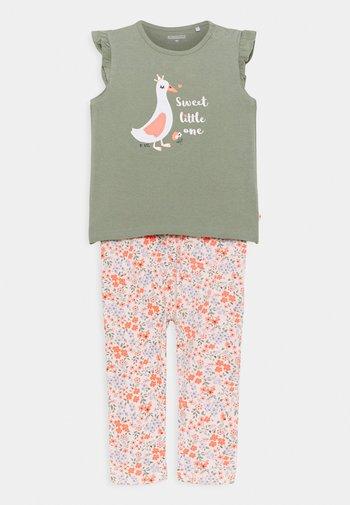 SET - Print T-shirt - khaki/multicolor