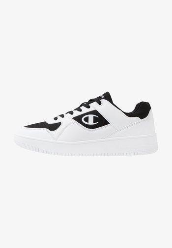 LOW CUT SHOE REBOUND - Chaussures de basket - white/black