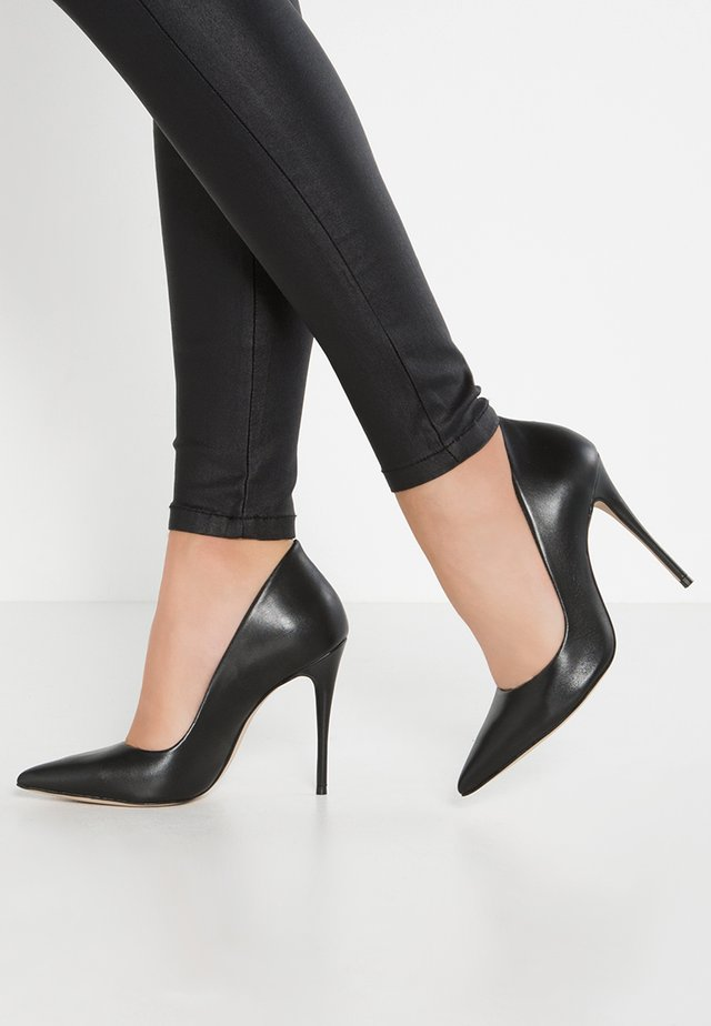 CASSEDY - Højhælede pumps - black