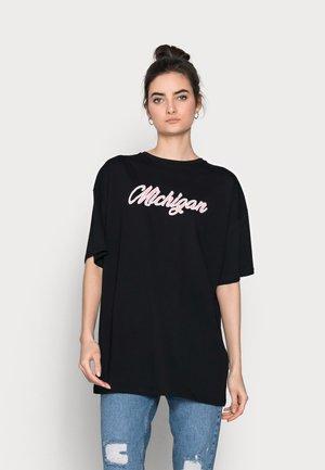 MICHIGAN SHOULDER OVERSIZED  - Print T-shirt - black