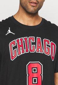 Nike Performance - NBA ZACH LAVINE CHICAGO BULLS STATEMENT NAME NUMBER TEE - Squadra - black - 4