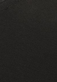 Anna Field Curvy - T-shirt basique - black - 6
