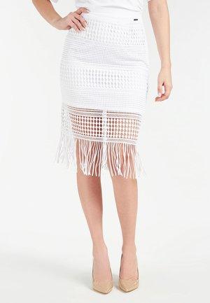 MIDIROCK STICKEREI - Pencil skirt - weiß