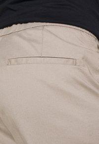 Lindbergh - WORKWEAR PANTS - Trousers - stone - 4
