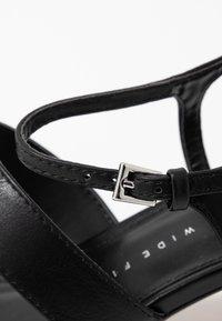 Topshop Wide Fit - WIDE FIT DITA STRAP - Sandals - black - 2