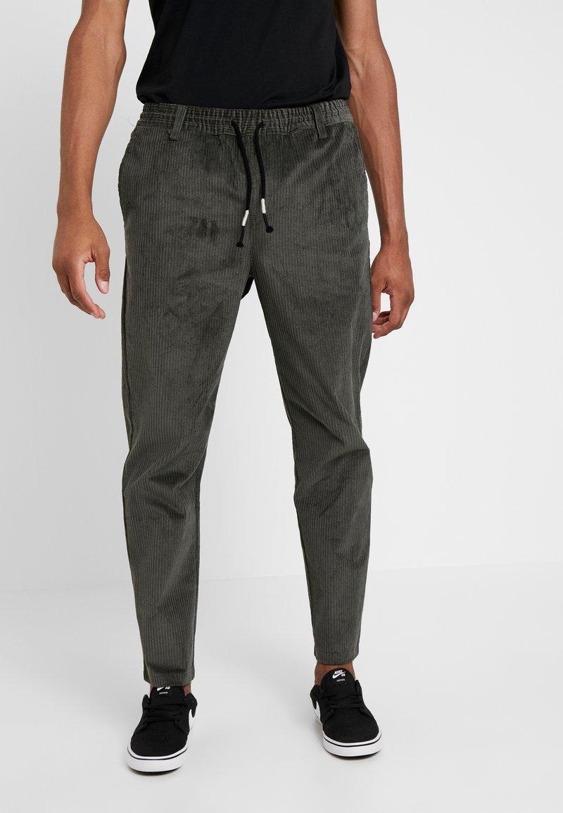Anerkjendt - BOBBY  - Trousers - magnet