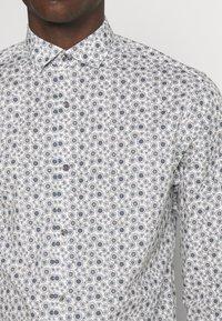 Jack & Jones PREMIUM - JPRBLAOCCASION MINIMAL SLIM FIT - Camisa - white - 4