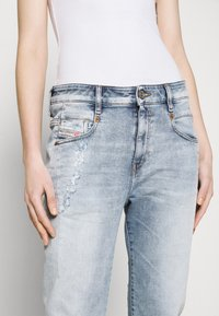 Diesel - D-FAYZA-T - Relaxed fit jeans - light blue - 3