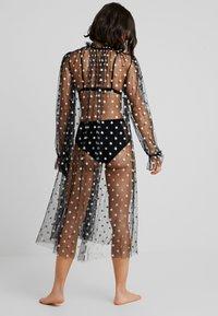Le Petit Trou - ROBE SORT - Dressing gown - black - 2