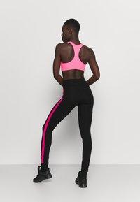 Pink Soda - TANISHA TAPE LEGGING - Leggings - black - 2