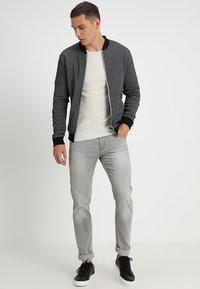 INDICODE JEANS - TONY - Jeans slim fit - light grey - 1