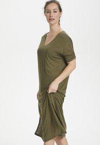 Cream - PITTACR  - Jersey dress - burnt olive - 0