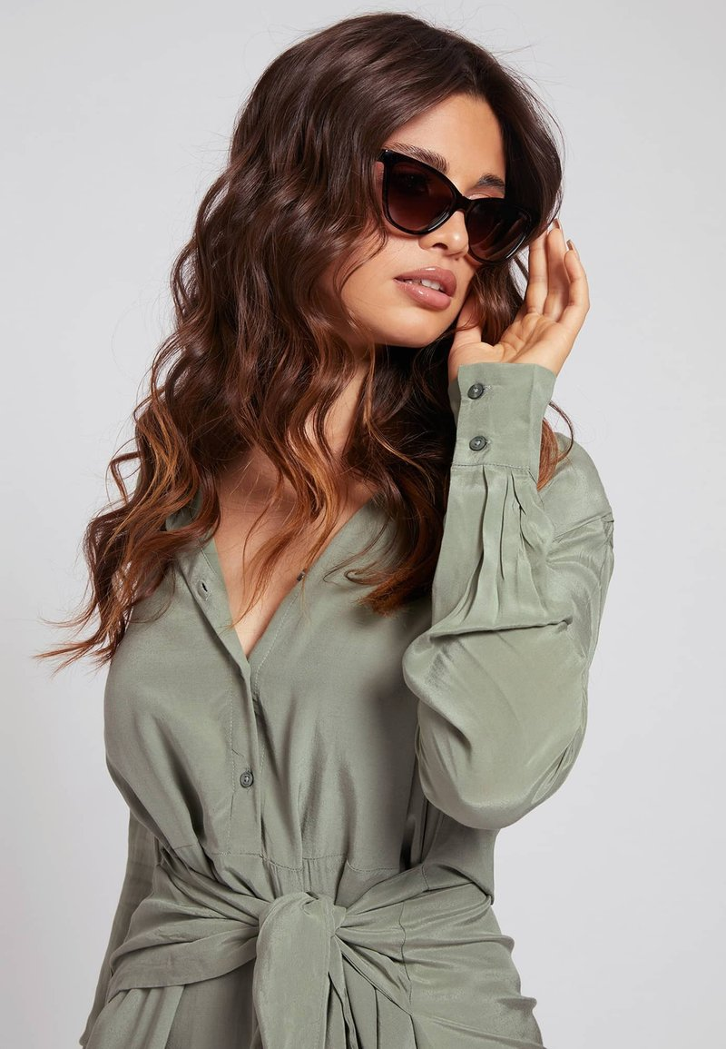 Guess - Sunglasses - braun