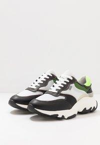 Pregis - KAYO - Trainers - white/green/black - 2