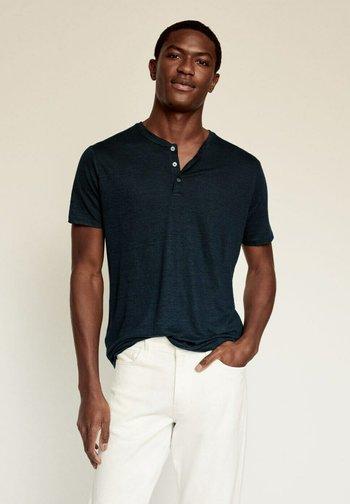 Jednoduché triko - bleu marine