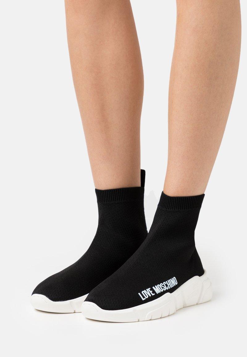 Love Moschino - Sneakers hoog - nero