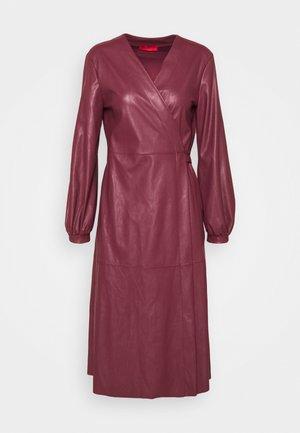 CONDOR - Vapaa-ajan mekko - burgundy